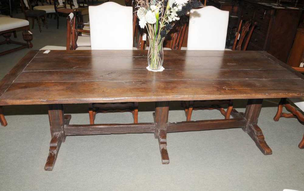 Table à tréteaux en chêne massif réfectoire de campagne