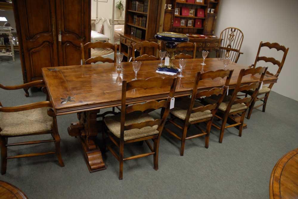 Table de salle à manger en chêne - Table de réfectoire française Fleur De Lys