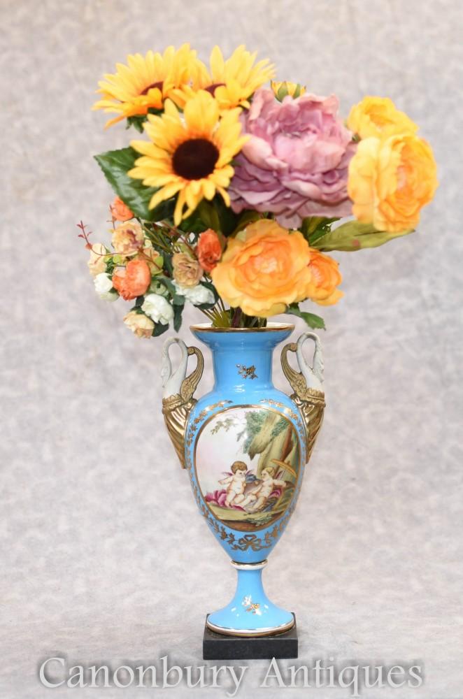 Urne En Porcelaine De Sèvres - Vase Chinois