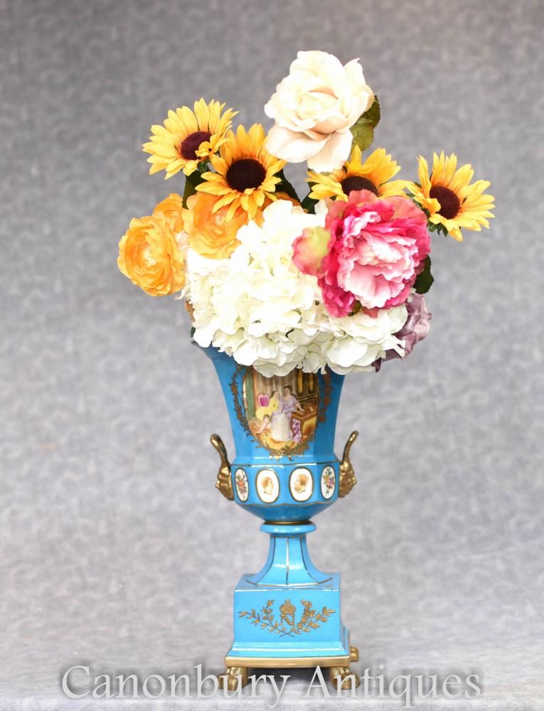 Urne en porcelaine de Dresde sur socle - Vase en céramique Campana allemand