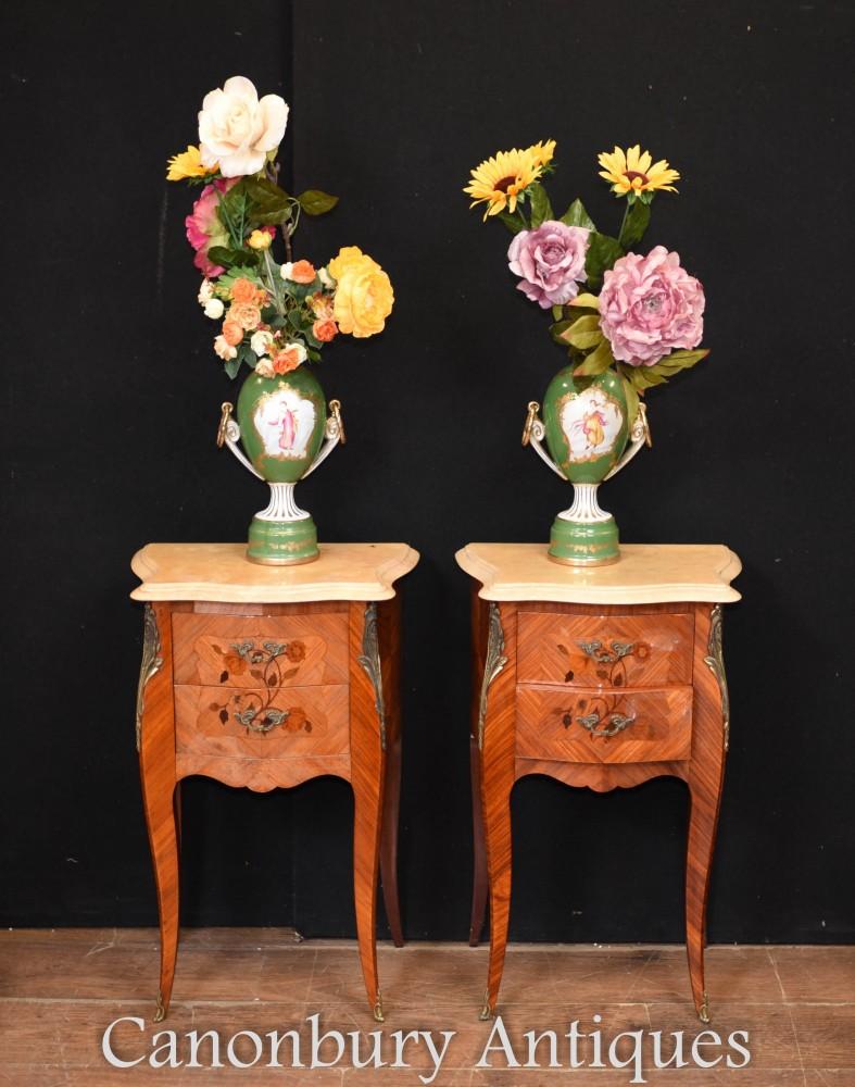 Urnes En Porcelaine De Sevres - Vases Floral Maiden