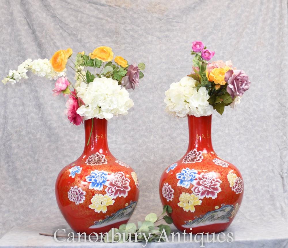Paire De Vases En Porcelaine Chinoise - Urnes Floral Forme Ming Shangping