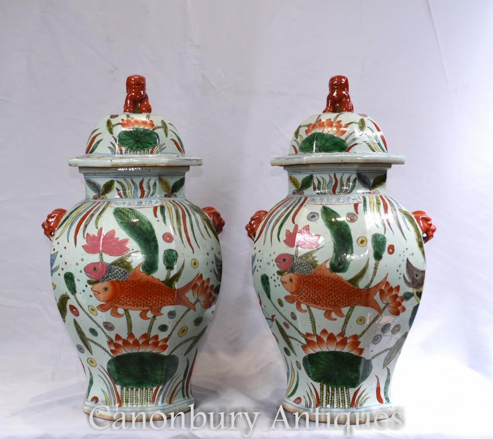 Paire de bocaux en porcelaine Ming - Urnes à vases chinois