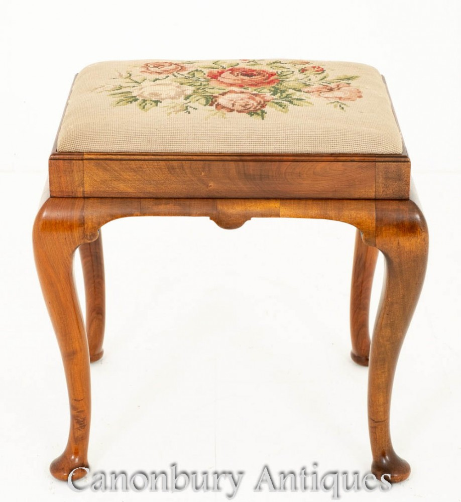 Tabouret Queen Anne en Noyer