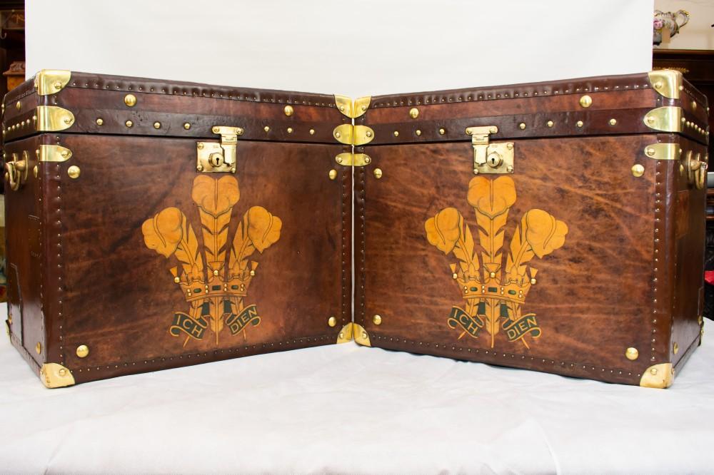 Pair Leather Cases de voyage - Coffres Steamer Box Boxes Tables