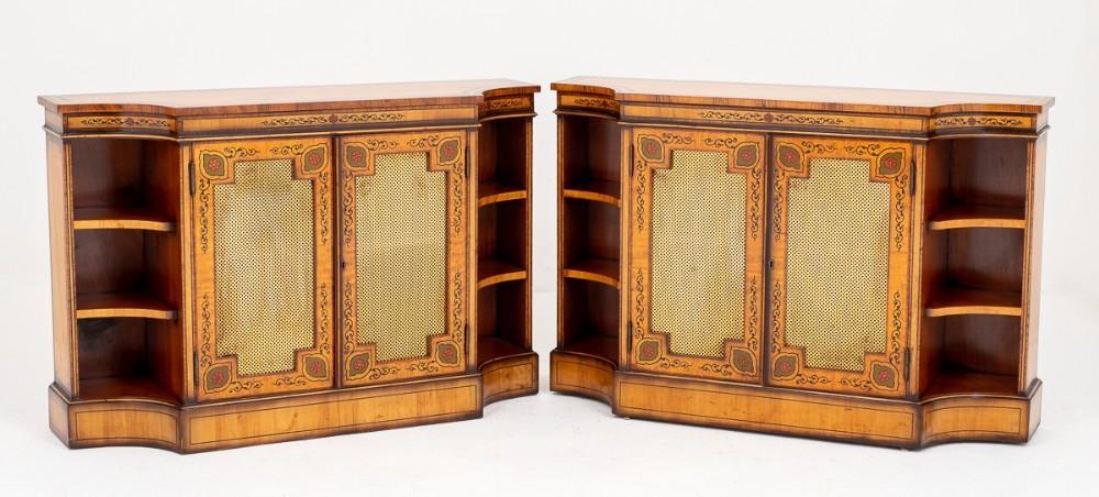 Paire d'armoires antiques en bois satiné - Crédence de buffetPaire d'armoires antiques en bois satiné - Crédence de buffet