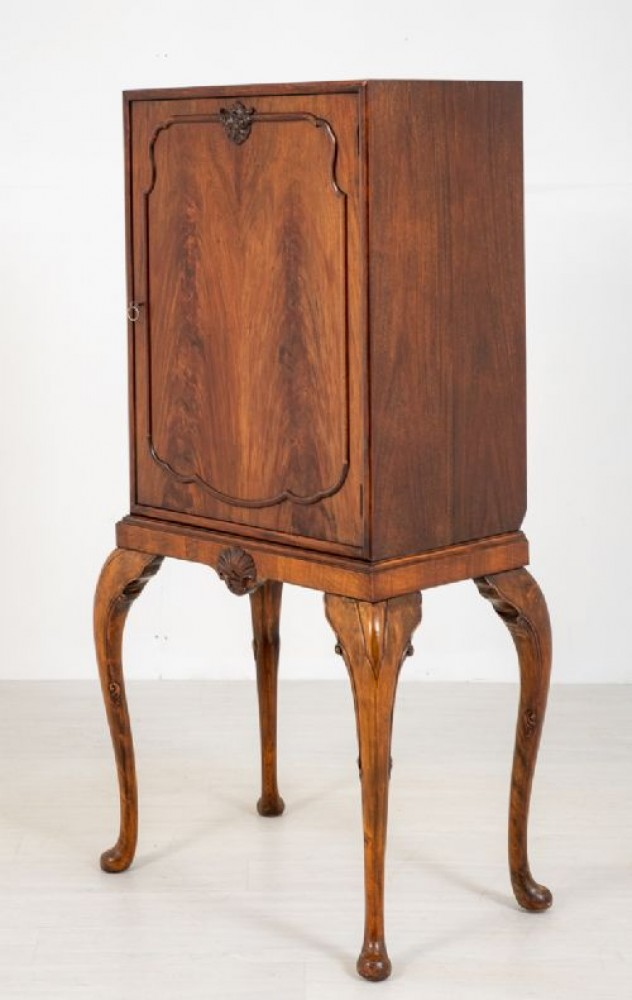 Commode Chippendale Cabinet en acajou